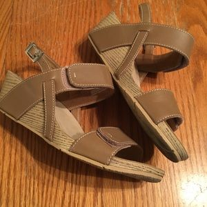 Clark's size 8 barely worn leather wedge sandal